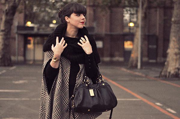 BLOG outfit hiver cape slim cuir 6 Equation hivernale