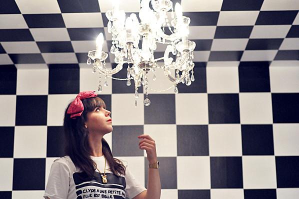 Série Le Jardin des Nains ; Alice & Wonderland Chess (16)