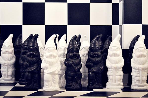 Série Le Jardin des Nains ; Alice & Wonderland Chess (23)